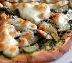 Buca di Beppo Copycat Recipes: Chicken Pesto Pizza
