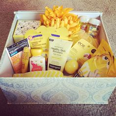 Box full of sunshine- gift idea for a friend who needs some cheering up. Cheerful gift / friend gift / feel better gift