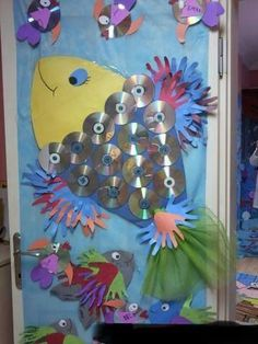 cd fish bulletin board idea - Bulletin Boards for the Elementary Music Classroom - Fish Bulletin Boards, Music Bulletin Boards, Rainbow Fish Bulletin Board, Classroom Board, Music Classroom, Cd Crafts, Ocean Crafts, Crafts For Kids, Preschool Bulletin
