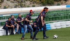 Marc y su equipo.. fútbol a ciegas...
