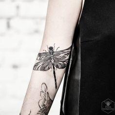 """""""#dragonfly #blacktattoomag #blacktattooart #blxckink #btattooing #darkartists…"""