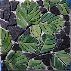 Beaked Hazelnut mosaic by Joanne Daschel - ψηφιδωτα - Art Mosaic Garden Art, Mosaic Pots, Mosaic Glass, Mosaic Tiles, Tropical Mosaic Tile, Stained Glass, Mosaic Crafts, Mosaic Projects, Art Crafts