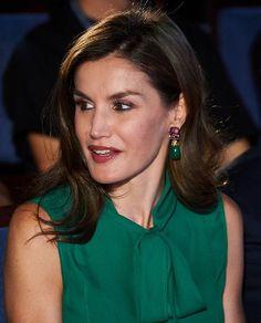 Queen Letizia wore Prada leather pumps and Hugo Boss green silk blouse, Letizia's Jewelry, Coolook Nereida earrings