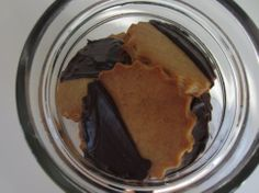 Donna Hay's easy gingerbread biscuit (cookies) recipe with dark chocolate