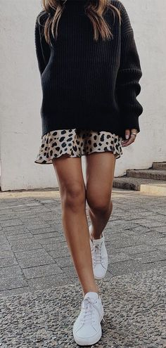 Casual Outfits That Will Make You Look Great Outfits Sweaters ! lässige outfits, die sie zu tollen outfits machen Casual Outfits That Will Make You Look Great Outfits Sweaters ! Looks Street Style, Looks Style, Street Style Edgy, Street Styles, Fashion Mode, Look Fashion, Womens Fashion, Fashion Black, Dress Fashion