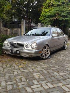 """Mercedes benz w210 E230; classic; brabus 19""""; stance car; jakarta; indonesia"""