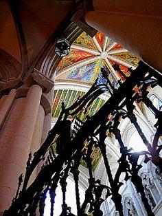 Claroscuro, Interior de la Catedral de Madrid Copyright: Olga Toliusis