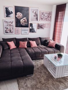 Interior Tipps für die perfekte Gallery Wall - so setzt du Bilder richtig in Sz. Interior tips for the perfect gallery wall - this is how you put pictures in the right scene - Fashion Kitchen Decoration Bedroom, Diy Home Decor, Decor Crafts, Home Decoration, Living Room Designs, Living Room Decor, Small Living Rooms, Dining Room, Home Furnishings