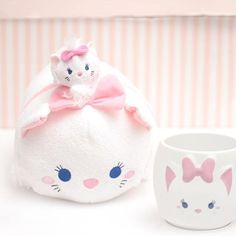Tsum tsum🐱 uploaded by ~MoonlιgнтBae~ on We Heart It Disney Cats, Disney Girls, Disney Love, Disney Magic, Disney Pixar, Marie Cat, Gata Marie, Tsumtsum, Disney Tsum Tsum