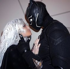 Khloe Kardashian and Tristan Thompson as Storm and Black Panther - The Best Celebrity Couples Costumes to Copy this Halloween - Photos Black Couple Halloween Costumes, Black Panther Halloween Costume, Celebrity Couple Costumes, Black Celebrity Couples, Best Couples Costumes, Halloween Photos, Black Couples, Halloween Ideas, Girl Halloween