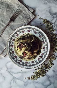 pasta dishes: pistachio pesto with olive oil and nutmeg. plus pancetta for the c. - pasta dishes: pistachio pesto with olive oil and nutmeg. plus pancetta for the crunch. Get the reci - Italian Pasta Recipes Authentic, Best Italian Recipes, Sicilian Recipes, Sicilian Food, Italian Foods, Pancetta Pasta, Pesto Pasta, Charcuterie, Quick Pasta Recipes