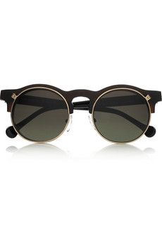 While it isn't vintage jewelry, loving these vintage sunglasses!