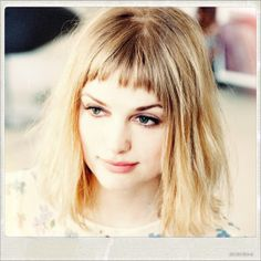 Alison Loren Sudol was born December, 23rd on Seattle. She is the daughter of two dramatic arts teachers, Sondra Grace West-Moore and John Sudol. From her time in Seattle she recalls her yellow hou...