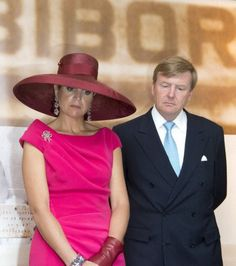Queen Máxima, June 24, 2014 | Royal HatsPosted on June 25, 2014 by HatQueen...King Willem-Alexander and Queen Máxima of the Netherlands arrived in Warsaw yesterday for a two day visit to Poland.