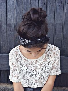 tumblr peinados de colores - Buscar con Google: Messy Buns, Ties, Messy Hairstyles, Headbands, How To Wear, Accessories, Bandana, Fashion, Your Hair