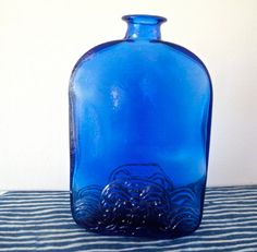 Cobalt Blue Glass ❤️I have this pretty bottle! Blue Glass Bottles, Cobalt Glass, Old Bottles, Blue Bottle, Antique Bottles, Vintage Bottles, Cobalt Blue, Vintage Perfume, Antique Glass