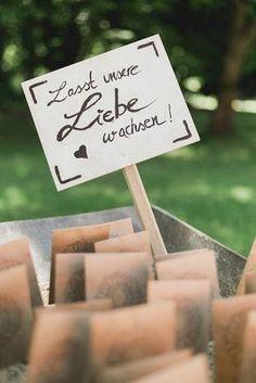 DIY - Lasst die Liebe wachsen - Blumentütchen als Hochzeits-Gastgeschenk.