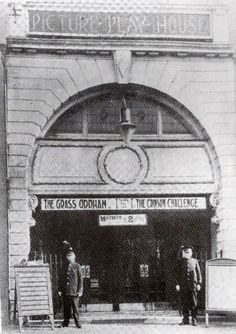 The Caldmore Green Picture Play-House was opened in December It was re-named Forum Cinema from DecembIn it was equipped for CinemaScopeer Forum Cinema was closed on May 1960 Green Pictures, Old Pictures, Get Movies, Walsall, Oxford Street, West Midlands, My Town, Play Houses, Birmingham