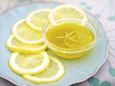 Zitronendressing ist ein Rezept mit frischen Zutaten aus der Kategorie Dressing. Probieren Sie dieses und weitere Rezepte von EAT SMARTER!