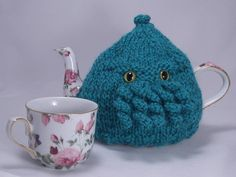 Cthulhu Tea Cozy  a warm and fuzzy sweater for your by knitnax