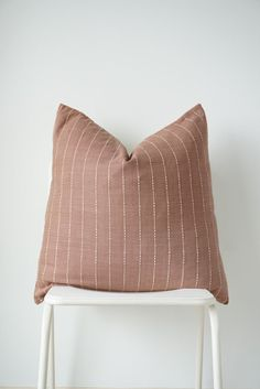 620 Comfort Ideas In 2021 Pillows Throw Pillows Knitted Throws