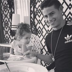 Real Madrid star, James Rodriguez shares cute pic with his daughter James Rodriguez, James 10, Football Transfers, Fc Bayern Munich, Soccer Stars, Social Media Influencer, Soccer Players, Football Team, Neymar