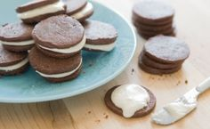 Chocolate Sandwich Cookies with Peppermint Frosting