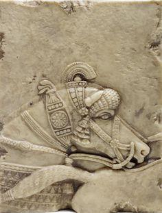 Detalle de relieve asirio con caballo enjaezado.