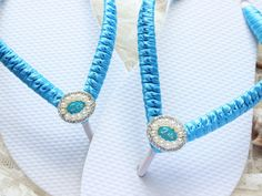 I do bridal flip flops embellished with Turquoise blue ribbon. Bride sandals beach, wedding day, dancing shoes party. Something to remember Small Bridal Parties, Wedding Flip Flops, Hot Pink Weddings, Honeymoon Gifts, Bridal Sandals, Dancing Shoes, Bride Shoes, Womens Flip Flops, Blue Glitter