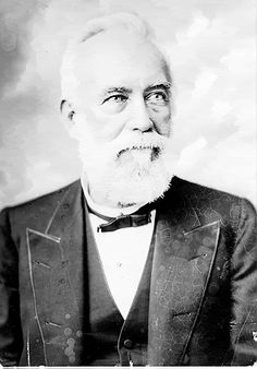 Francis R. Lubbock - elected governor of Texas in 1861 by only 124 votes. As governor he staunchly supported the Confederacy.  In 1864 traveled to Richmond where he became aide-de-camp to Jefferson Davis.  At the end of the war Lubbock fled Richmond with Davis and was captured with him by federal authorities in Georgia. He was imprisoned and kept in solitary confinement for 8 months before being paroled. Texas Texans, Texas Tech, American Civil War, American History, Confederate Leaders, Visit Texas, Jefferson Davis, Texas Man, Republic Of Texas