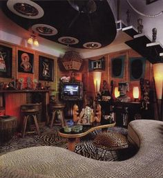 My basement lounge! (No.. it really isnt.. but wow.)