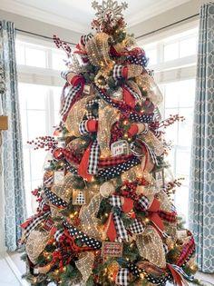 Black Christmas, Ribbon On Christmas Tree, Christmas Tree Themes, Christmas Tree Toppers, Simple Christmas, Christmas Wreaths, Christmas Crafts, Merry Christmas, Christmas Outfits