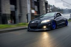 Honda CR Z. Click here to see more like this -- http://goo.gl/dQDR1i