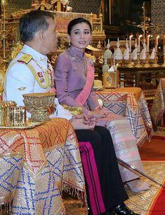 Thai Princess, Southeast Asia, Fashion Ideas, Thailand, Sari, King, Costumes, Clothes, Color