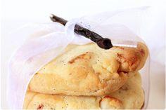 Cookies à la vanille et noix de Macadamias. Fais avec des noix de pecan. Bien aplatir sur la plaque de cuisson. Ne s'étale pas trop.