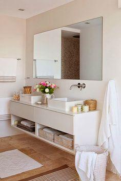 30 ideas para combinar tus muebles de baño de estilo actual · 30 ideas to combine your bathroom furniture Bathroom Design Small, Bathroom Interior Design, Home Interior, Bathroom Designs, Bathroom Countertops, Laundry In Bathroom, White Bathroom, Dyi Bathroom, Small Laundry