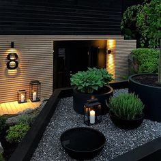Front Garden Landscape, Front Yard Landscaping, Home Garden Design, Home And Garden, Classic Garden, Black Garden, Modern Backyard, Backyard Retreat, Plantation