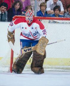 Palmateer Hockey Goalie, Hockey Teams, Ice Hockey, Washington Capitals Hockey, Gal Gadot Wonder Woman, Goalie Mask, Nhl Players, Masked Man, Nfl Fans