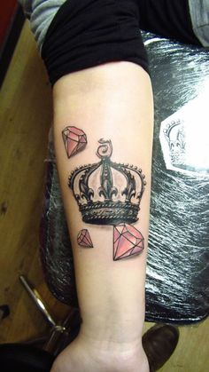 crown and diamond tattoo i want something like this but. Black Bedroom Furniture Sets. Home Design Ideas