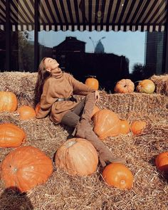 60 Holiday Outfits Woman at Pumpkin Patch Favorite 60 H. - - 60 Holiday Outfits Woman at Pumpkin Patch Favorite 60 H. Hot Fall Outfits, Early Fall Outfits, Holiday Outfits Women, Flannel Outfits, Pumpkin Faces, Cute Pumpkin, Baby In Pumpkin, Christmas Party Wear, Pumpkin Patch Outfit