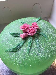 Prinsesstårta med jordgubbsmousse