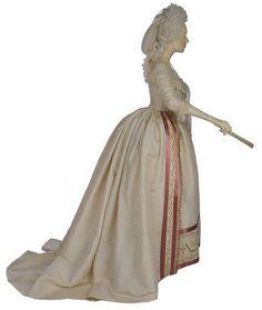 Dress 1700s