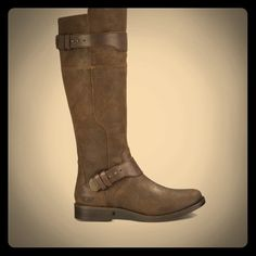 Women Dayle Leather Ugg Boots Brand new!! Bought wrong size, super cute! UGG Shoes Winter & Rain Boots