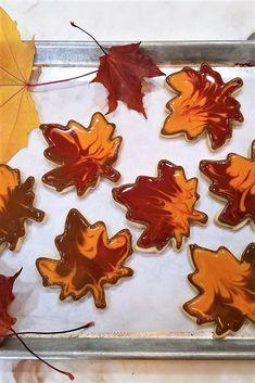 Halloween Cookies Decorated, Halloween Sugar Cookies, Halloween Baking, Flower Sugar Cookies, Rolled Sugar Cookies, Maple Leaf Cookies, Cookie Designs, Cookie Ideas, Sugar Cookie Royal Icing