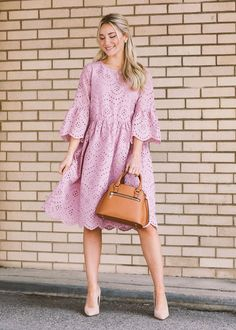 Norah Eyelet Dress in Peony - Norah Eyelet Dress in Peony – JessaKae Source by - Modest Dresses, Nice Dresses, Casual Dresses, Maxi Dresses, Flower Dresses, Classy Outfits, Chic Outfits, Spring Dresses, Spring Outfits