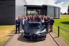 Bugatti Celebrates Chiron With Behind-The-Scenes Photoshoot Bugatti Models, Bugatti Cars, Ford Gt, Land Rover Defender, Super Sport Cars, Super Cars, Glass Roof Panels, Lamborghini, Nissan