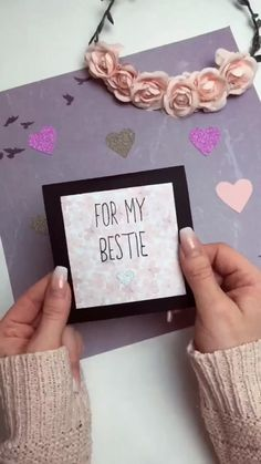😍Tag your friends who would love these DIYs by viiviiana_x on TikTok ⠀ ⠀ You can get great deals on stationery such as brush pens, pencil… Diy Birthday Gifts For Friends, Diy Best Friend Gifts, Diy Gift For Bff, Creative Birthday Gifts, Bf Gifts, Cute Birthday Gift, Diy Crafts For Gifts, Presents For Bff, Friendship Gifts