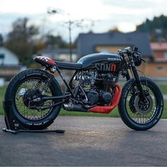 """dropmoto: """"One of the cleanest Honda CB cafe racers we've seen to date – so many rad little details. Honda CB550 custom built by the crew at Austria's @nctmotorcycles. Thanks for sharing David! @pege78 #cb550 #hondacb #honda #dropmoto #caferacer..."""