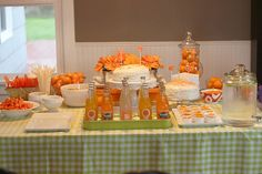 Homecoming idea. Put clementines in fluted bowl or jar.