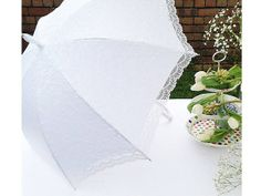 paraply til bruden http://www.congratulations.no/Brudeparaply-Victorian-Lace-hvit.html
